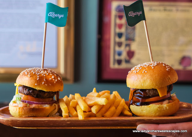 sliders in O'Learys Dubai friday brunch
