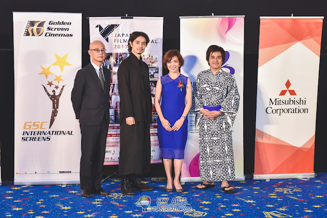 Takumi with ORIKASA Hiroyuki (Minister-Counsellor, Embassy of Japan in Malaysia), Koh Mei Lee (Chief Executive Officer, Golden Screen Cinemas Sdn. Bhd.), and HORIKAWA Koichi (Director, The Japan Foundation, Mid Valley City)