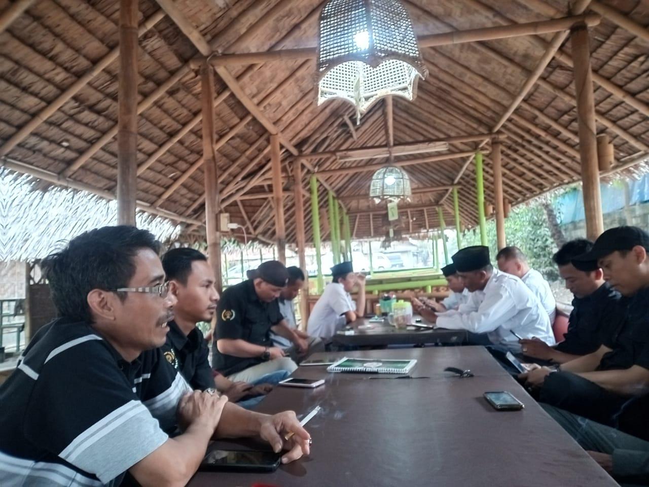 Ketua Apdesi Dan Kades Kecamatan Rajeg Diskusi Bareng Himpunan JTR