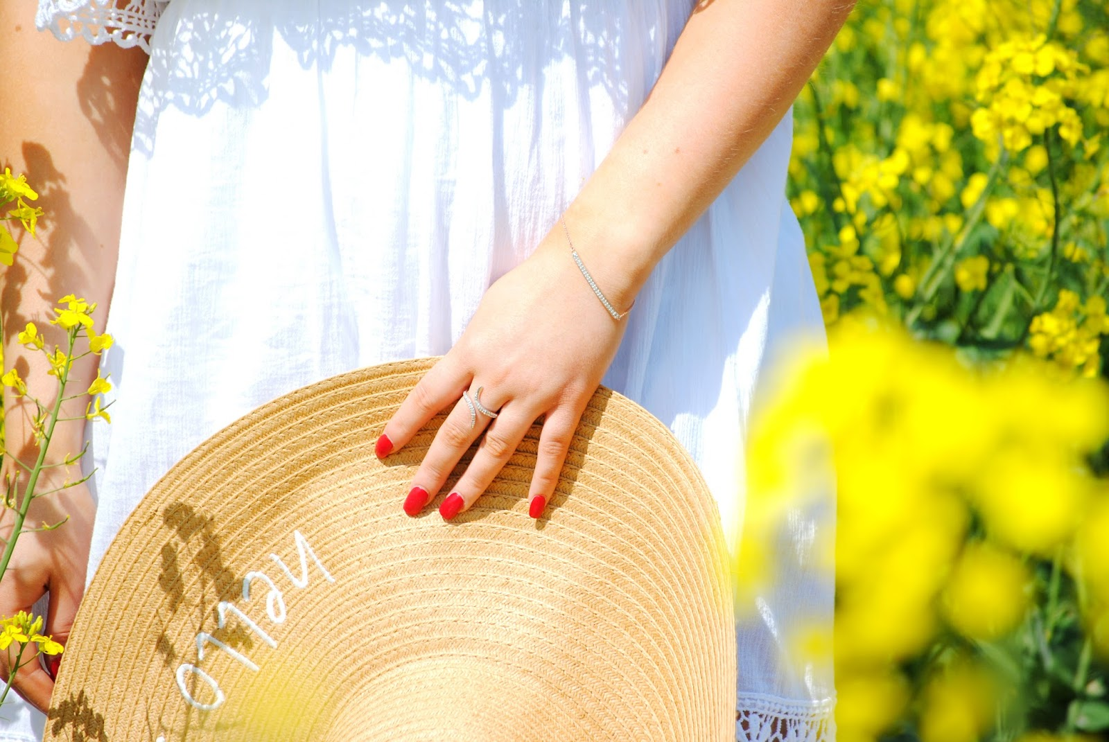 hello summer fashion photo yellow flowers primark atmosphere nikon photography gemporia diamond bracelet giveaway competition photoshoot