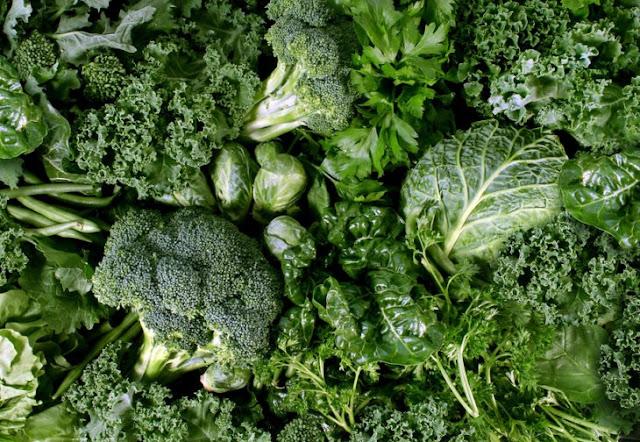 ushqime të jeshilëta, spinaq, lakërjeshile, lipjetë, pazi