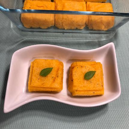 Carrés de polenta aux épices italiennes