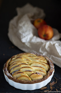 crostata di mele con composta di mele alla cannella