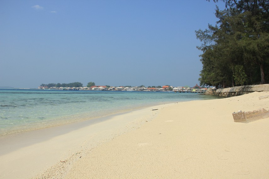 Wisata Pulau Karya di Kepulauan Seribu Jakarta