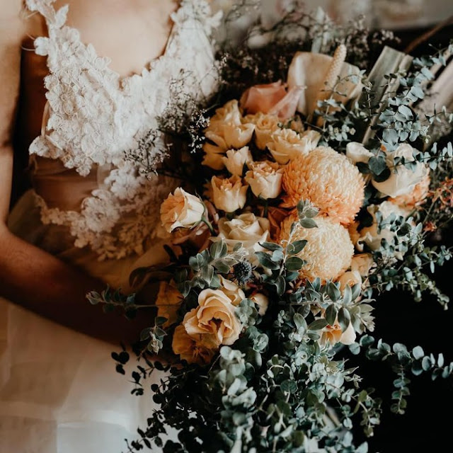 WHITE PARROT PHOTOGRAPHY AND FILM BRISBANE WEDDINGS FLORAL DESIGNER BIRDAL BOUQUET