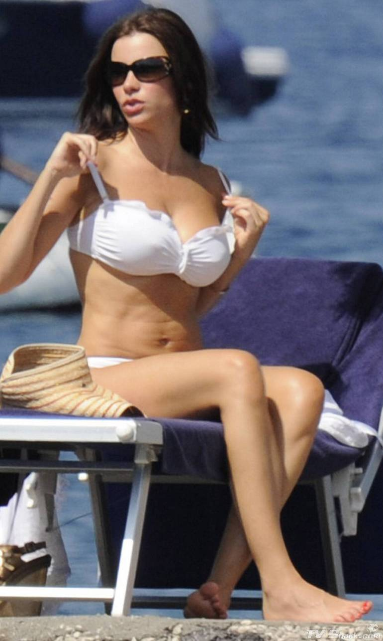Sofia vergara hot bikini