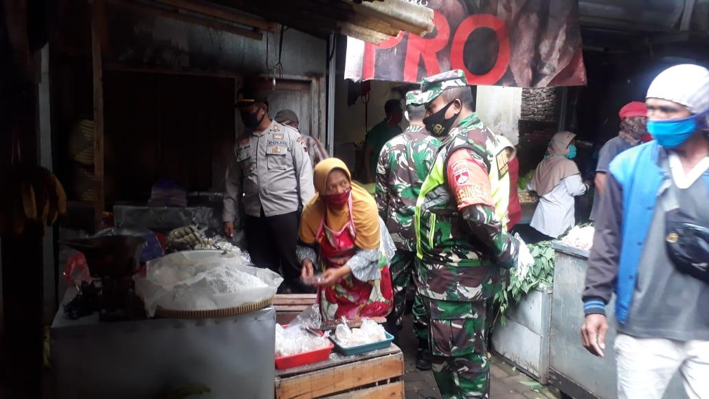 Satgas Covid-19 Kecamatan Padamara Sidak Penerapan Prokes di Pasar