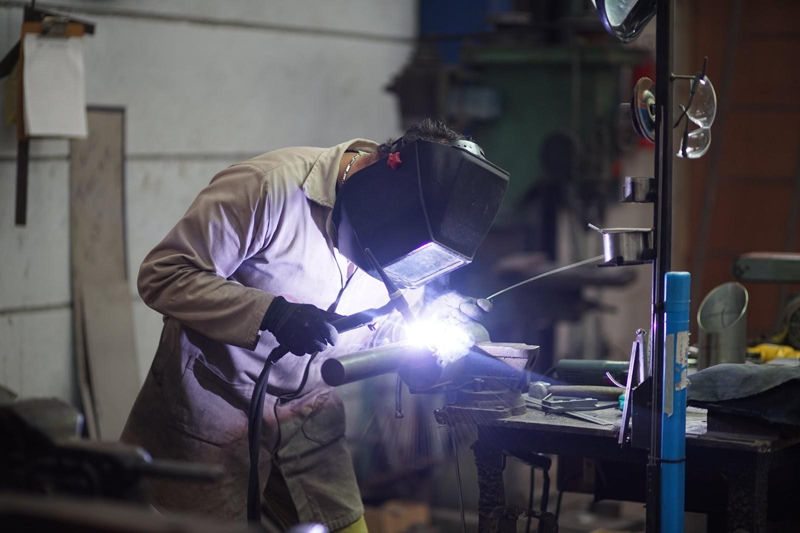 Maquinaria y Servicios Trejo creando túnel sanitizante: ¡Puro talento zacateco!