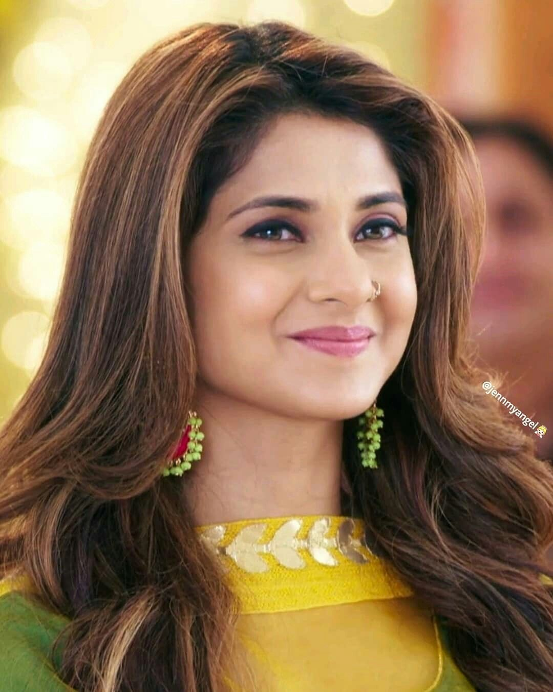 Jennifer Winget Profile Affairs Contacts Boyfriend Gallery News Hd Images Wiki Go Profile All Celeb Profiles Tollywood Bollywood Kollywood Hollywood Go Profiles