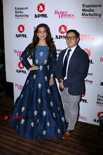 Bollywood Actress Juhi Chawla Launchs Better Homes 10th Anniversary Celetion Cover  0019.JPG