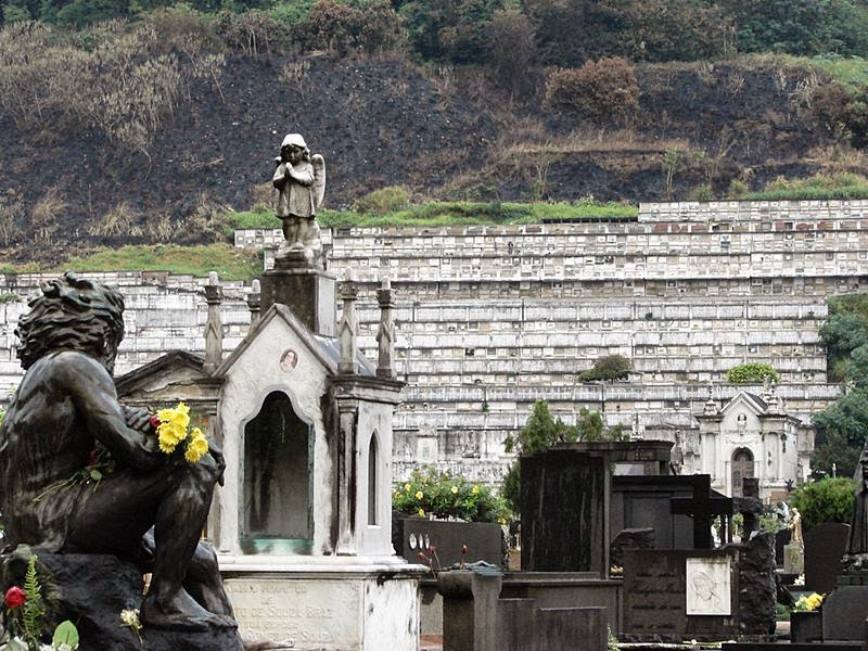 The Cemetery of St. John the Batista is the only cemetery in the South Zone of the city. The first burial in the cemetery of Sao Joao Batista held on December 4, 1852.