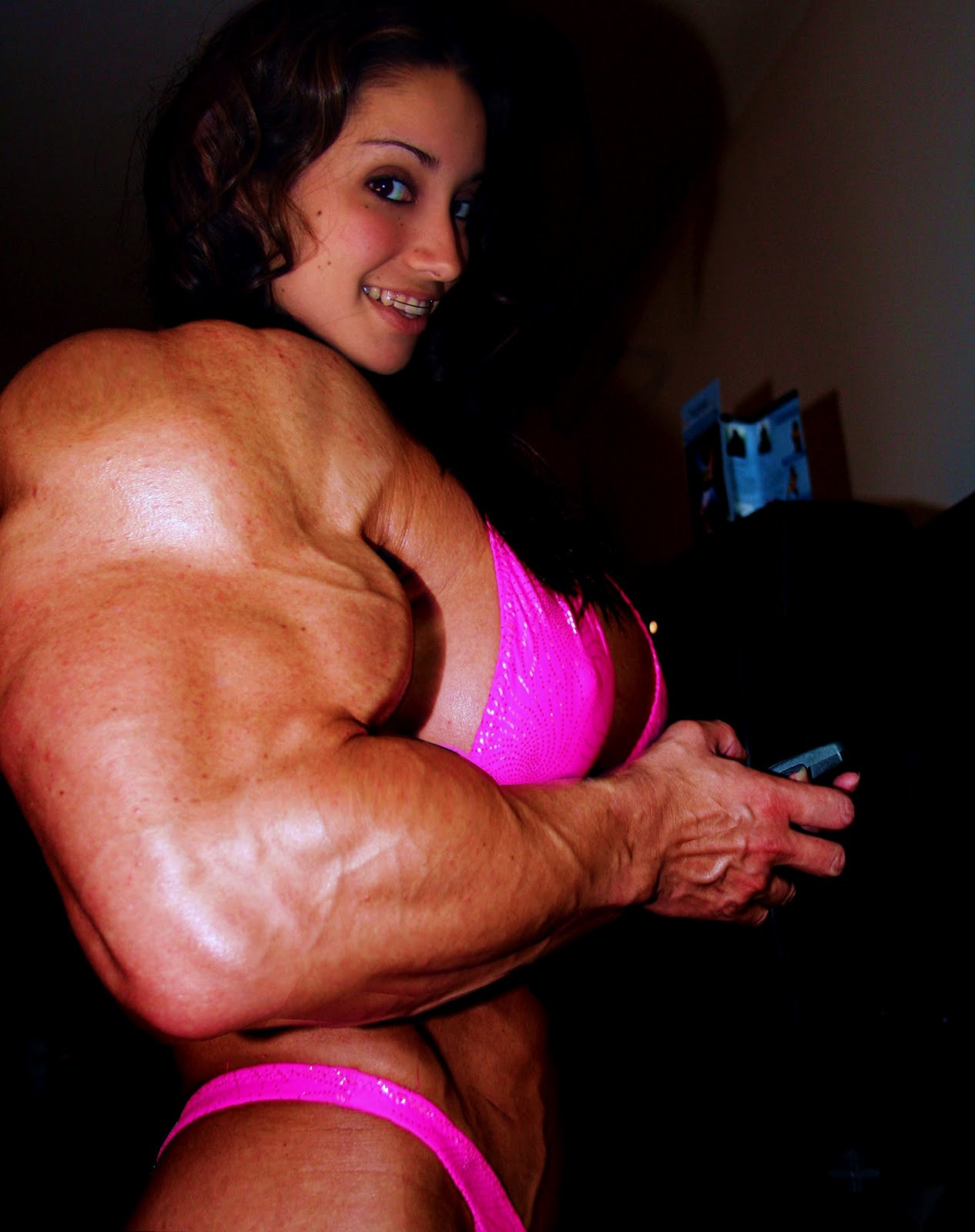 Huge Muscle Woman Porn