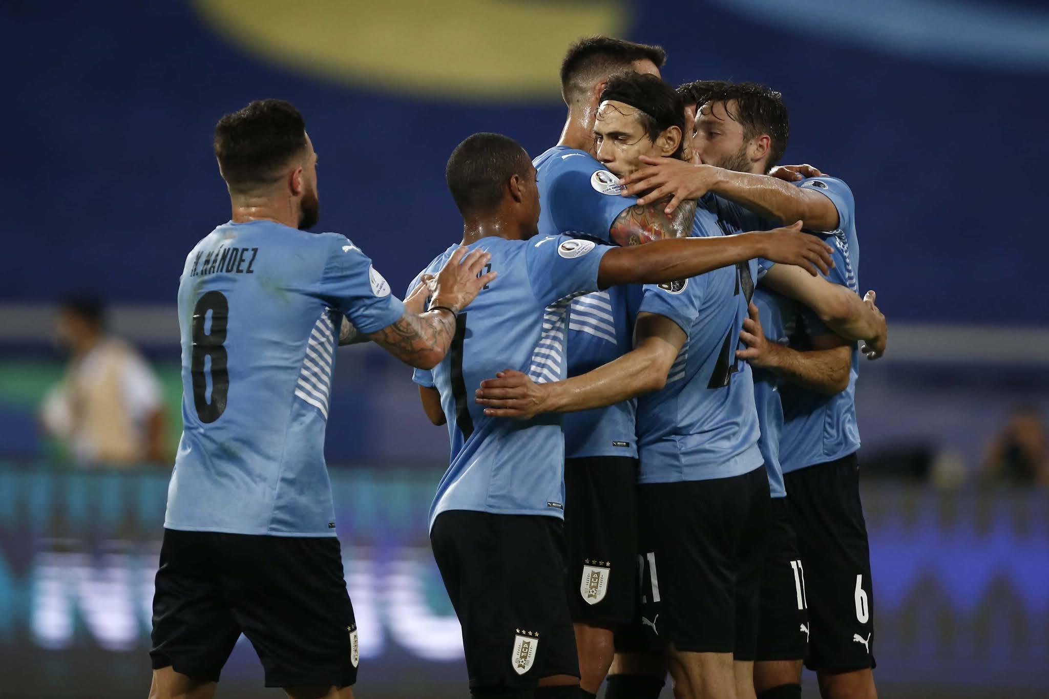 Uruguay vence a Paraguay y es segundo en el grupo A, detrás de Argentina