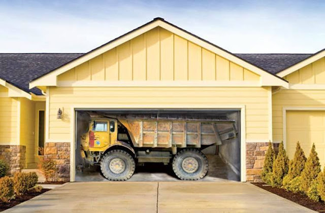 Artworks, amazing photos of a Painted garage door