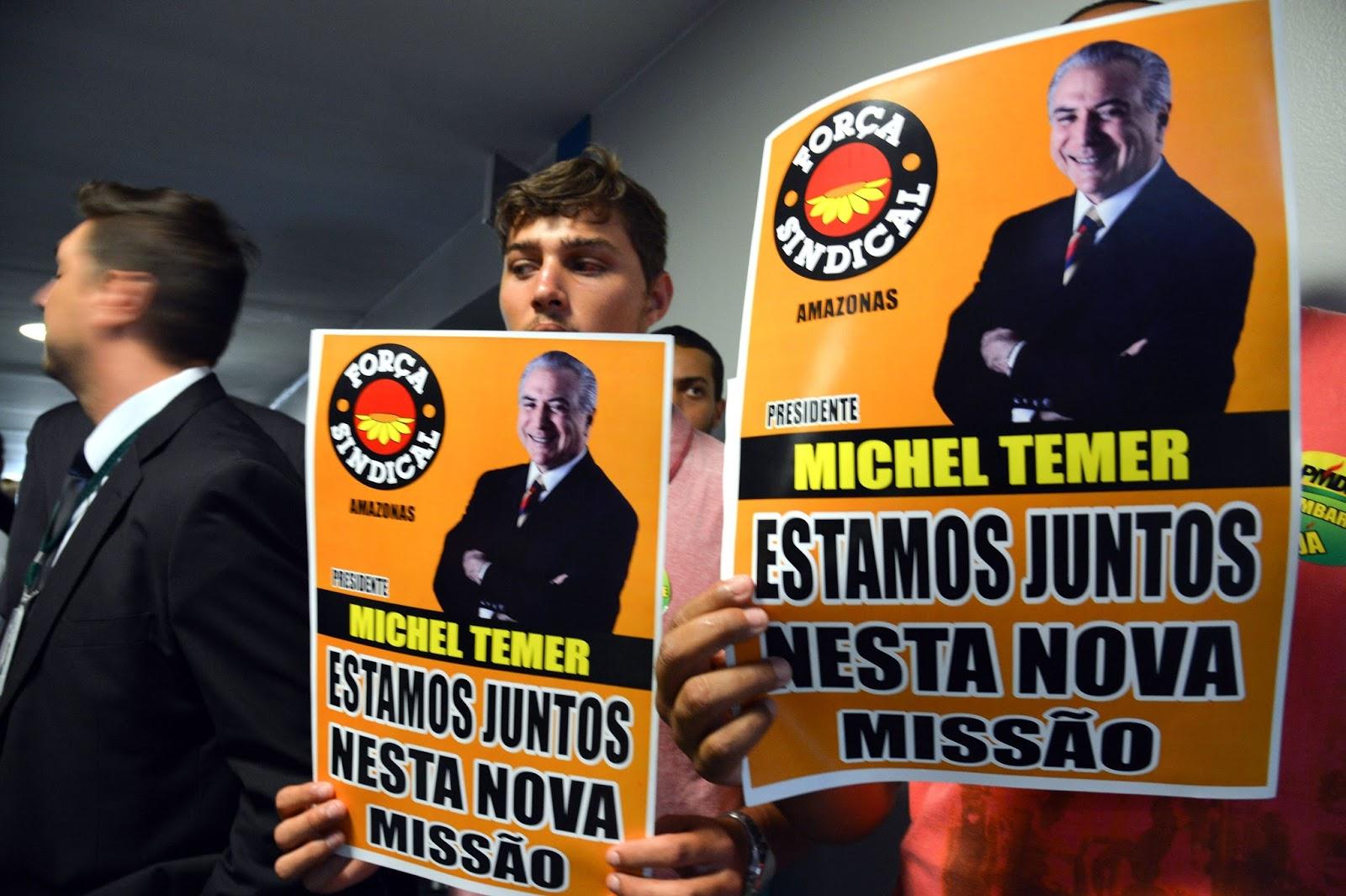 PMDB deixa a base do governo Dilma