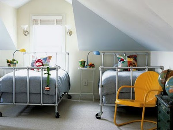 wunderkammer schlafzimmer f r kinder mit zwei betten bedroom for children with two beds. Black Bedroom Furniture Sets. Home Design Ideas