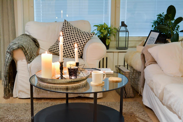 olohuone livingroom syksy pehmoiset värit sävyt syksy kynttilä ektorp ikea vittsjö
