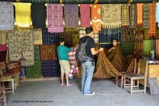 Membeli Oleh-Oleh Khas Makassar