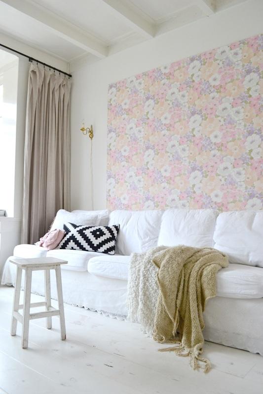 ... met kleur. Zelfmaken wandpaneel behang, vintage behang. Ikea Ektorp