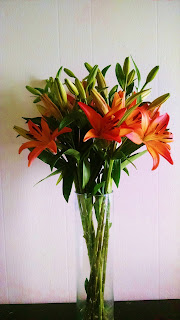 royal sunset lily bouquet