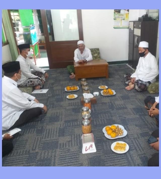 Silaturahmi Plt. Bupati Kudus dan Penyerahan Dana Hibah ke Ponpes Darul Falah Jekulo