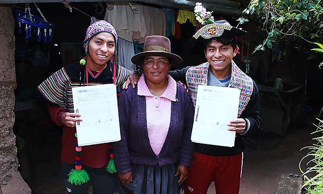 Estudiantes gemelos ganan Beca 18 para estudiar en la PUCP y UPC