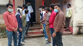 अनुविभागीय अधिकारी अमरवाड़ा को युवक कांग्रेस धनोरा ने सौंपा ज्ञापन