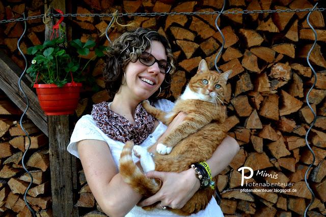 Katze Mimi und ihre Zweibeinerin Betty