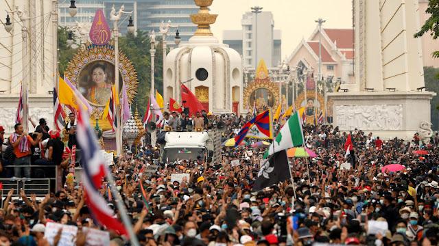 Tak Cuma di Indonesia, Gelombang Demo Juga Landa Thailand Tuntut PM Lengser