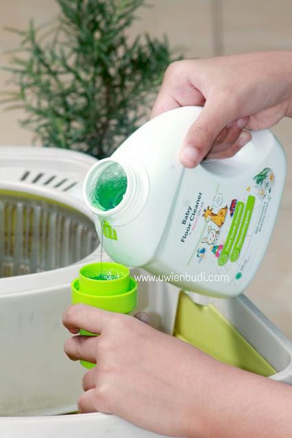 review pembersih lantai dengan kandungan aman untuk bayi