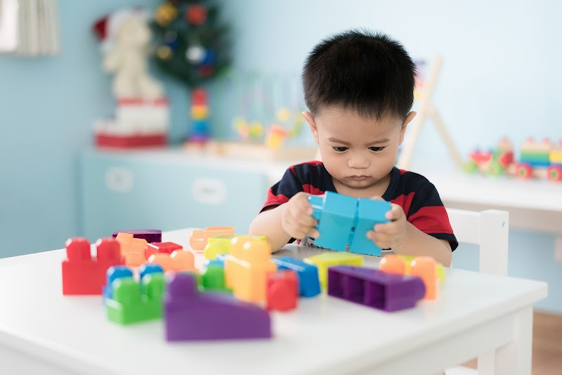 Mengenal 4 Tahapan Kognitif Pada Anak