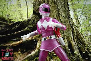 Lightning Collection Mighty Morphin 'Metallic' Pink Ranger 11