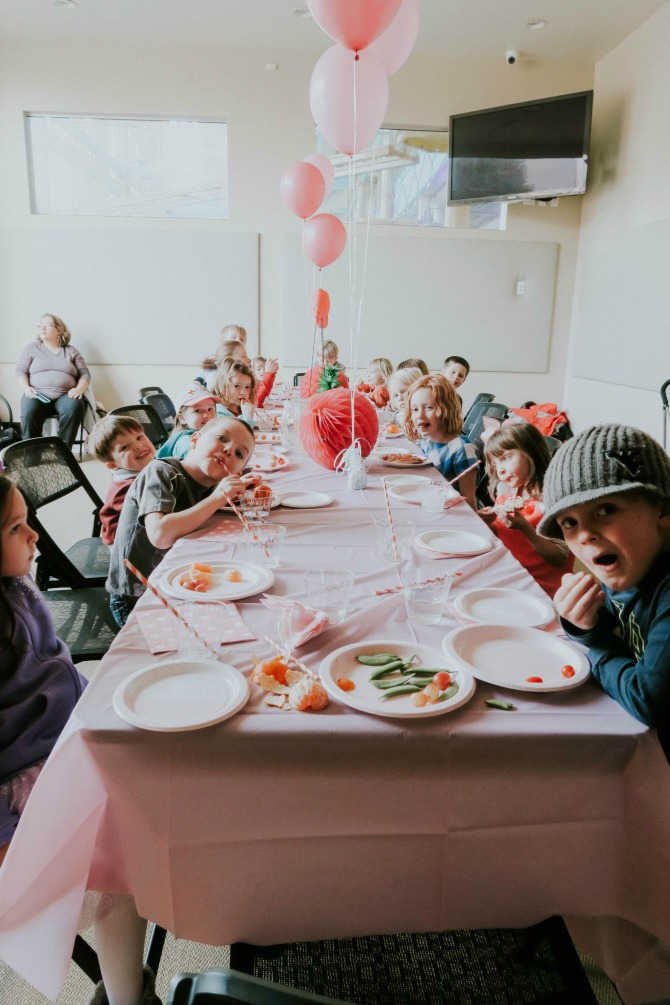 best indoor birthday party: pink flamingo themed