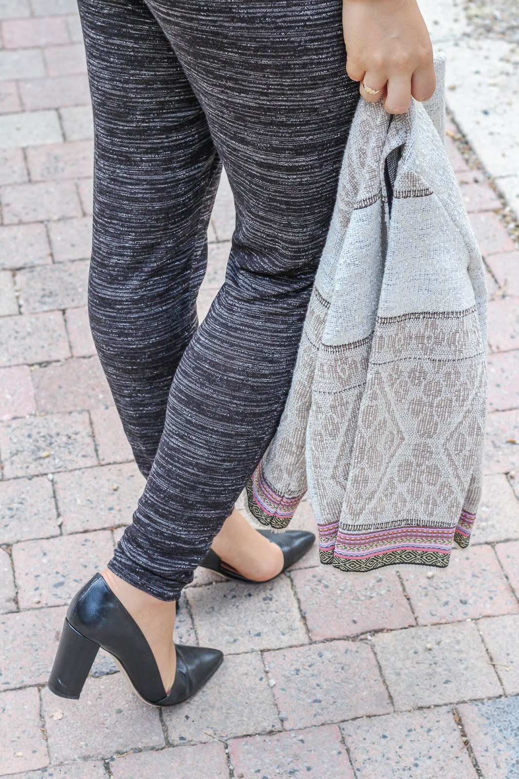 pantalon gris chiné escarpins
