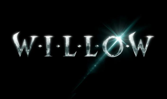 Imagem: fundo preto com o título Willow em letras de fonte metálica e com as letras de bordas pontiaguadas como se fossem feitas de prata.