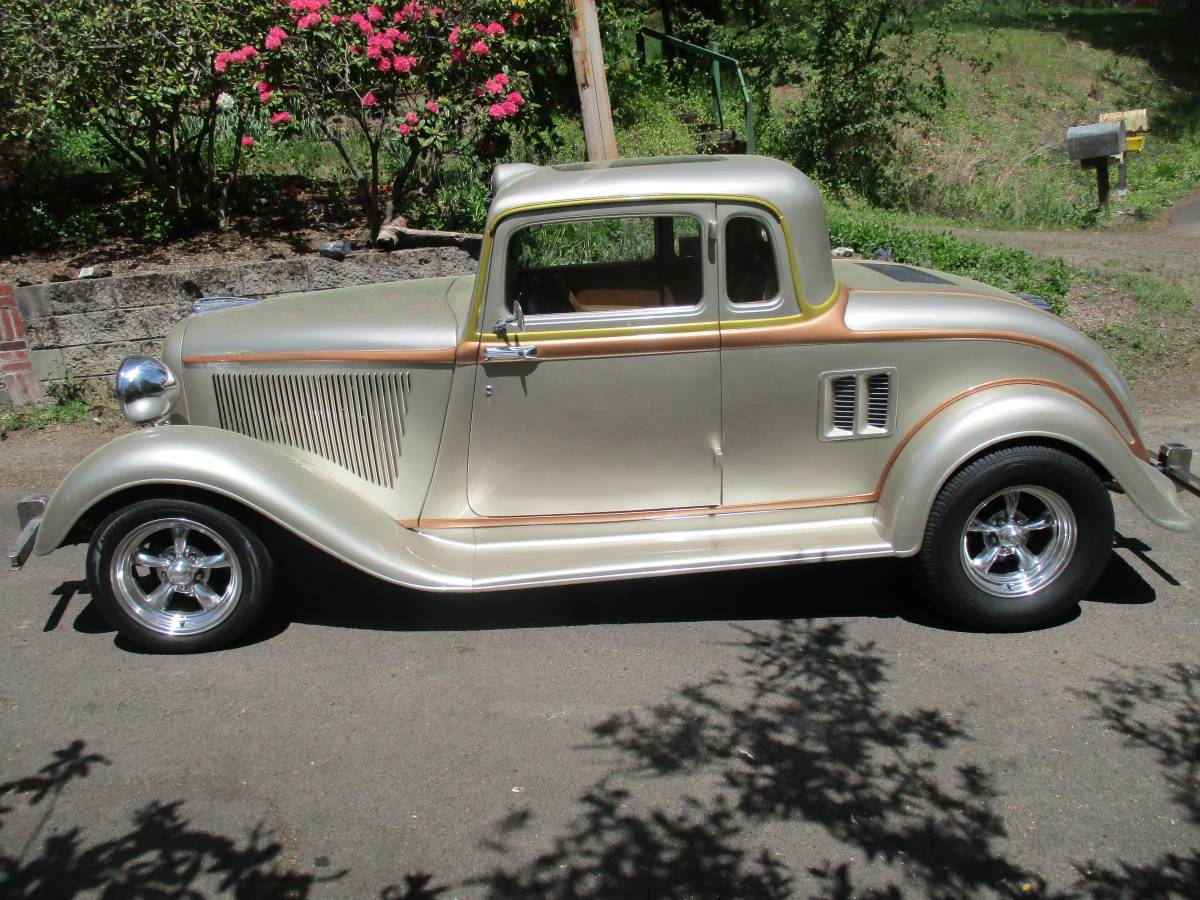 Daily Turismo Mid Engined Street Rod 1933 Plymouth Coupe Custom