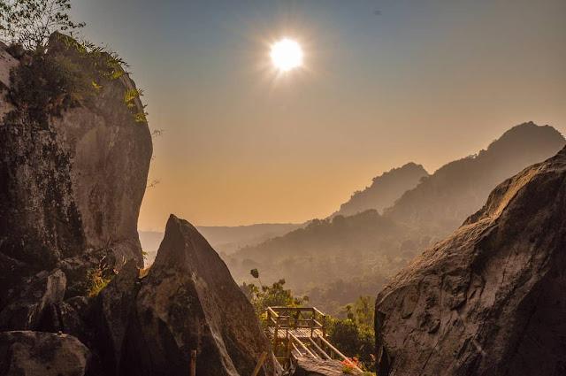 Obyek Wisata Batu Lawang Cirebon