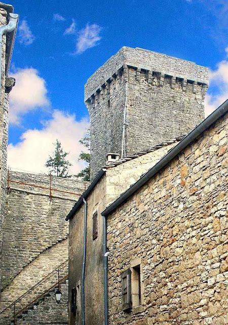 La Couvertoirade, antiga sede dos templários no centro da França.