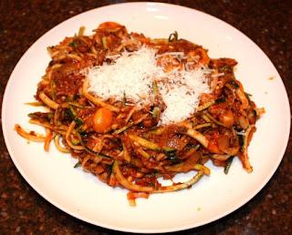 recept; recepten; hoofdgerecht; hoofdgerechten; courgette; spaghetti; pasta; bolognese; bolognesesaus; gehakt;
