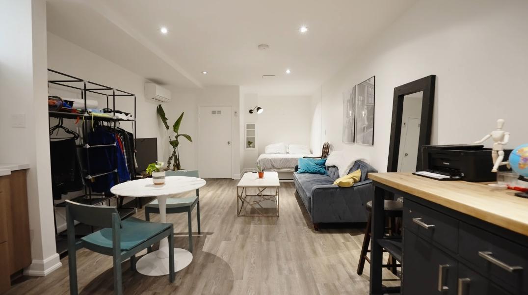 26 Photos vs. 19 Pretoria Ave, Toronto, ON Interior Design Tour