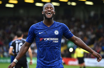 Michy Batshuayi's eighth minute goal was off out by Eric Molloy's late equaliser. Frank Lampard was denied A First win as Chelsea manager as Bohemians got a late equaliser in their pre-season friendly in Dublin.
