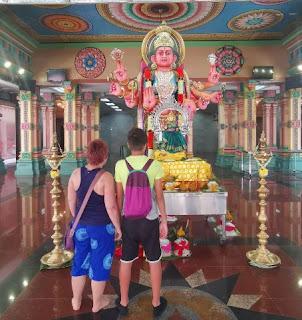 Barrio Chino o China Town de Kuala Lumpur. Templo Sri Mahamariamman.