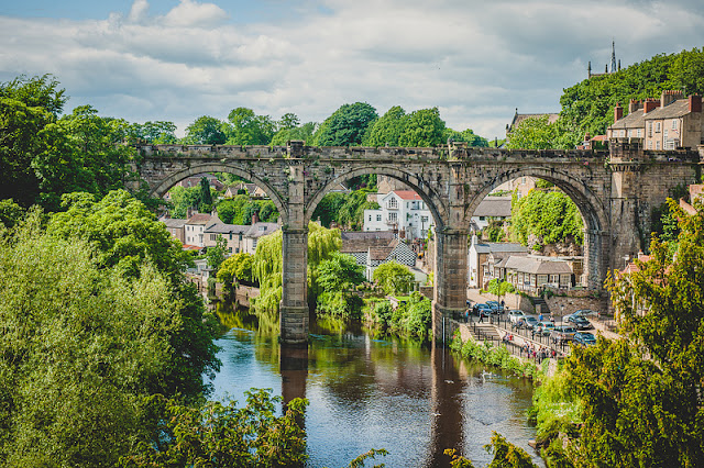 Knaresborough, Нэйрсборо, Нерсборо, Кнэйрсборо Нарсборо