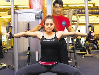 Amisha Patel Hot Exercise At Gym