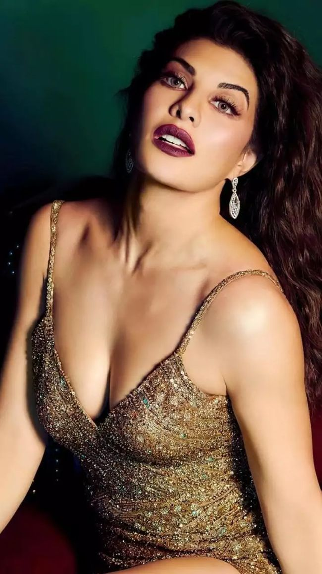 Actress Gallery: Jacqueline Fernandez Ultra Glam Poses Pics