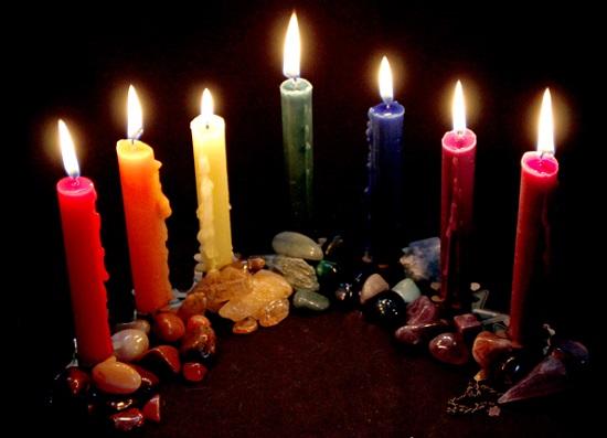 Giải mã 19 màu sắc của cây nến và ý nghĩa của chúng trong các nghi thức ma thuật