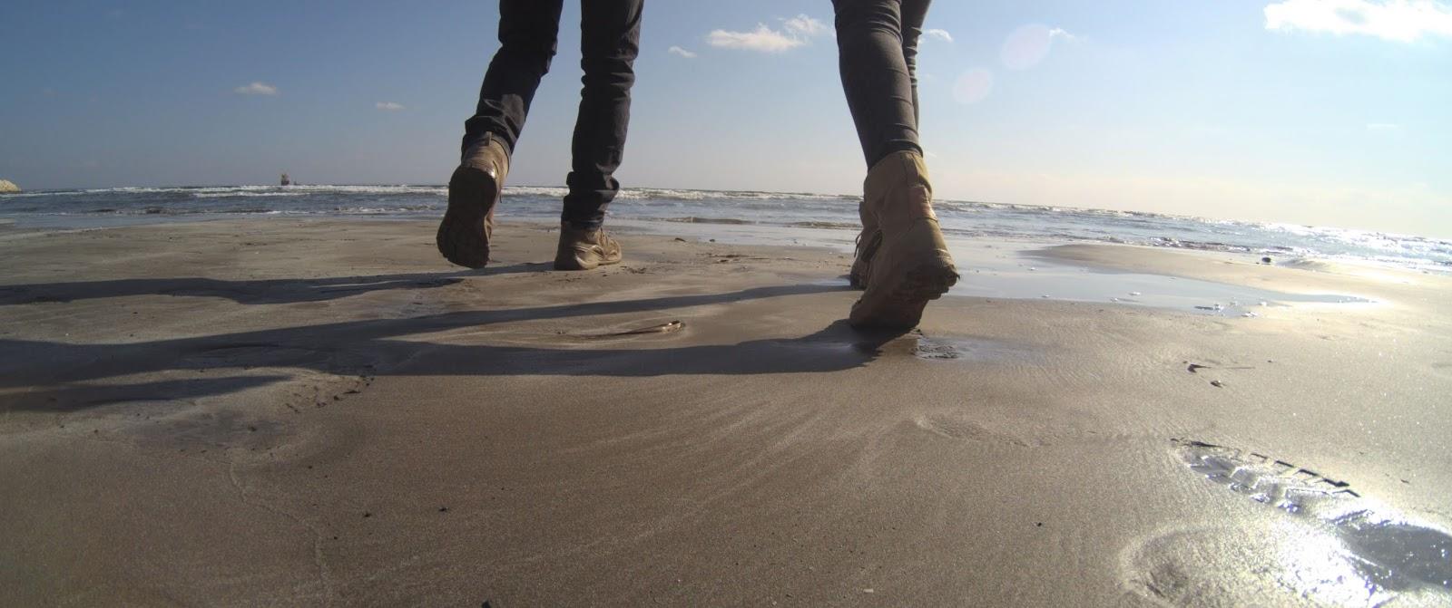 plaża w Larnace zimą