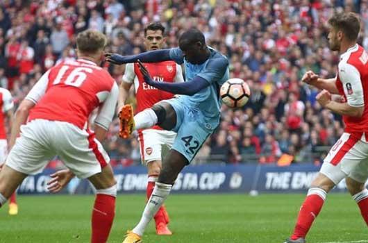 Arsenal và Liverpool chia tay vị trí TOP 4 tại Ngoại Hạng Anh