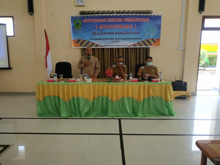 Dihadiri Ketua Komisi I DPRD Natuna, Plt Camat Bunguran Timur Membuka Musrenbang Kelurahan Bandarsyah