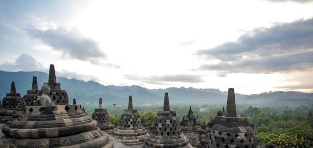 Borobudur Salah Satu Destinasi Wisata Bersejarah Di Jawa Tengah